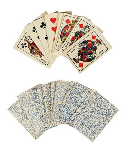 - Ancien jeu de 32 cartes françaises miniature.